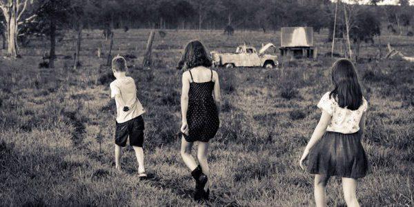 children_walking_away_2